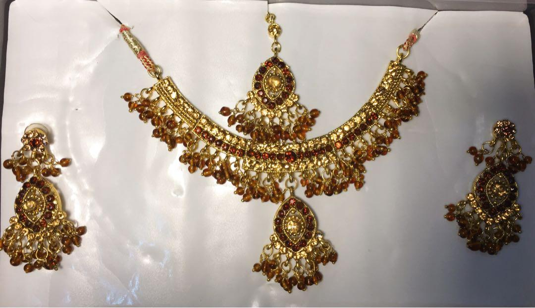 3pcs BOLLYWOOD ACCESORIES (neclace-headpiece-earrings)