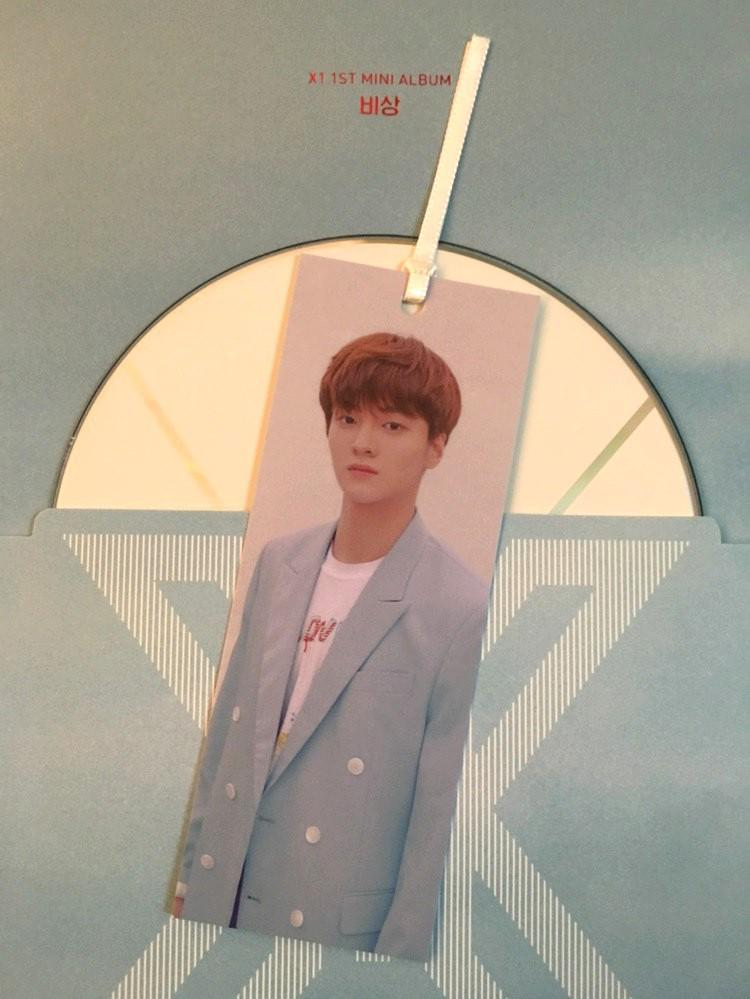 [WTS] X1 standee and bookmark (read description)