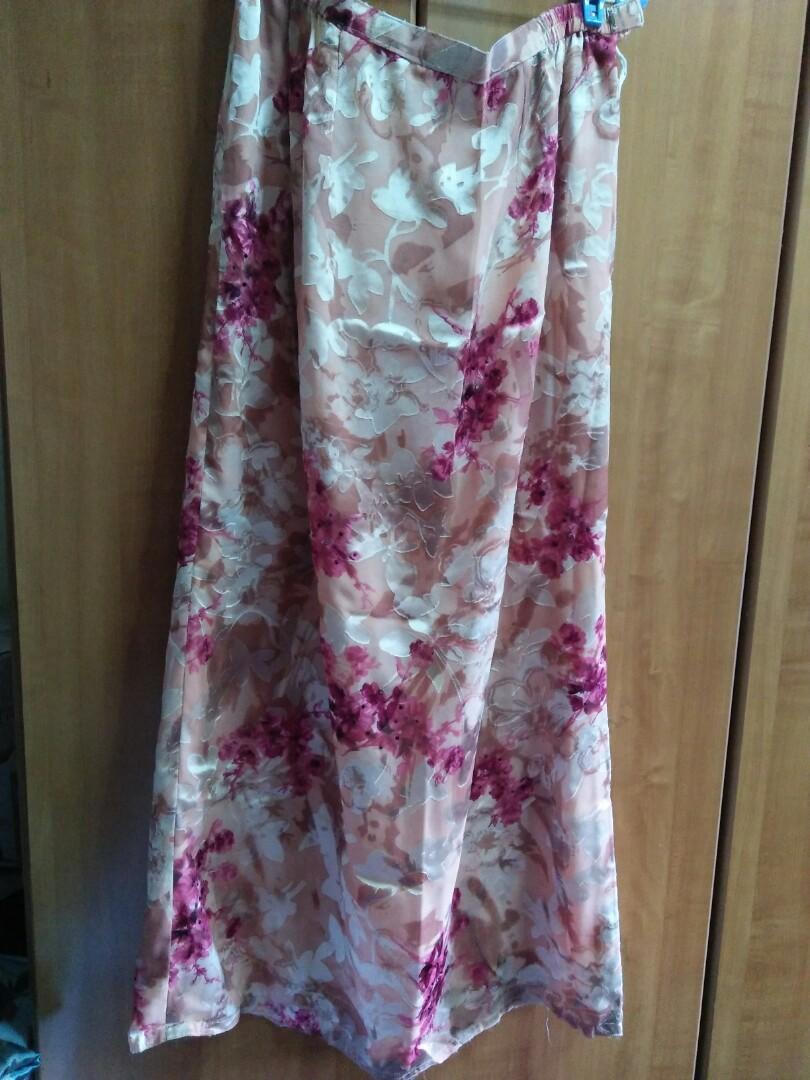 Beautiful Pink Floral Baju Kurung