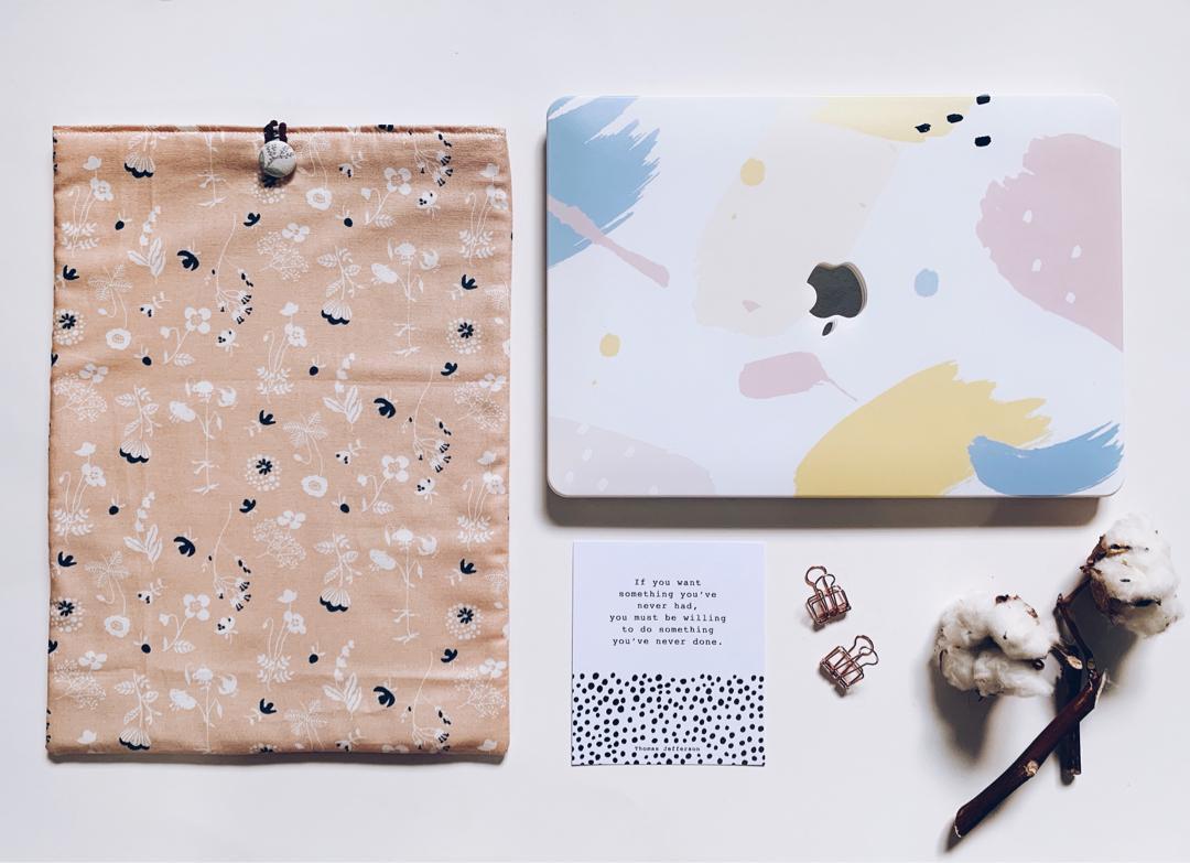 Floral Romance Laptop Sleeve