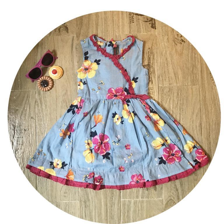 Girls Floral Print Dress Designed in France Size: 5T (122cm)