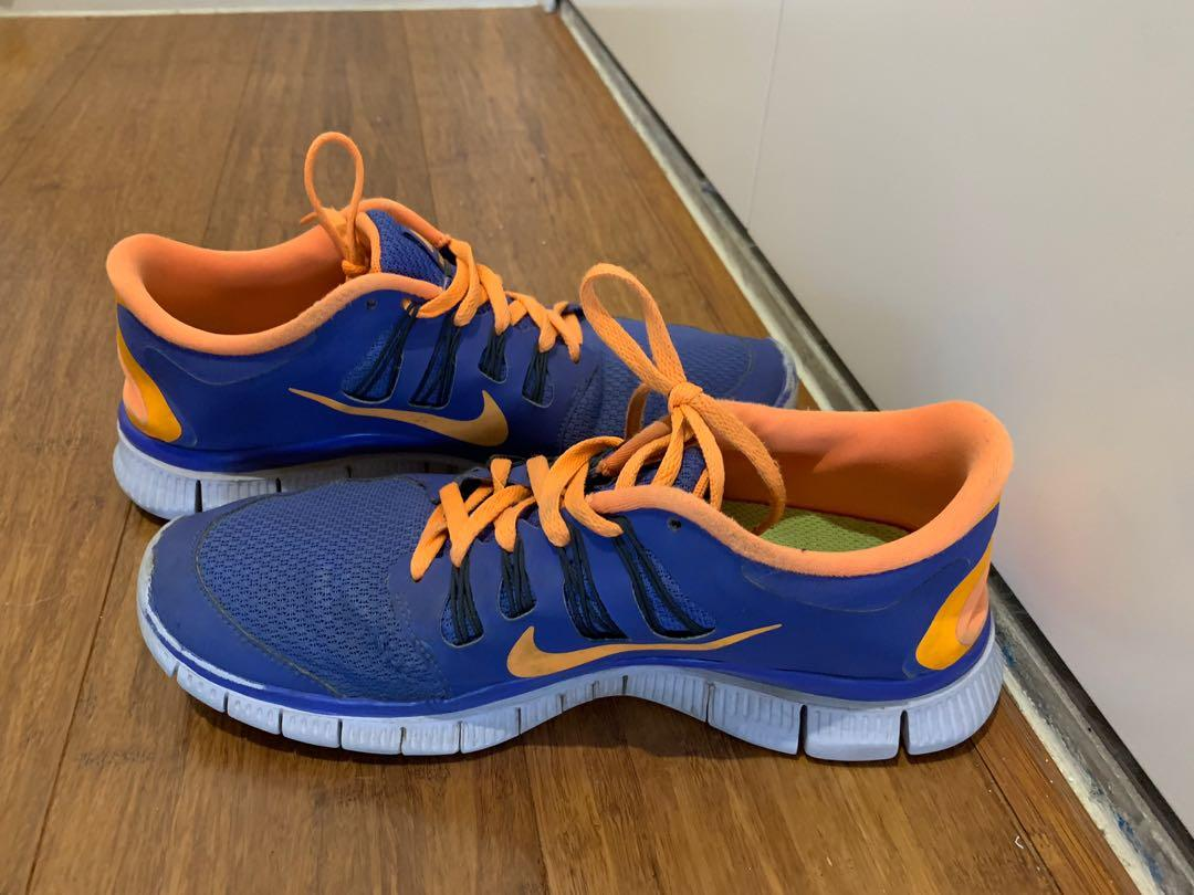 NIKE thea running shoes worn but in very good within the great comfort soul  fits 7/8