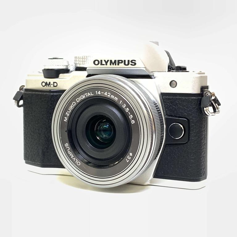 Olympus E-M10 Mark II with Kit 14-42mm