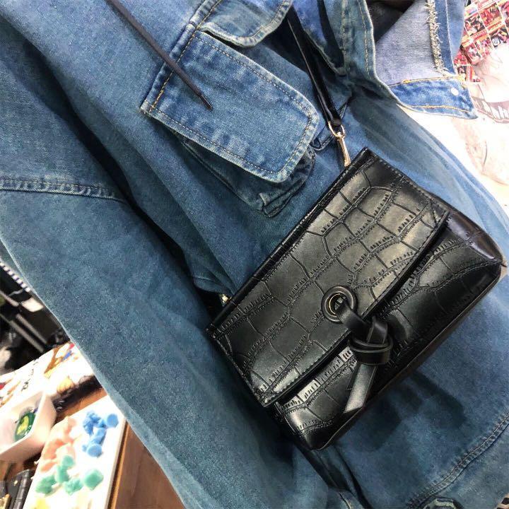 三口袋造型牛仔長版帽t/鱷魚紋皮革側背包