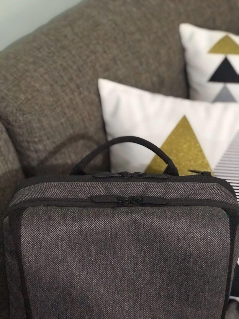 Bodypack Laptop Backpack