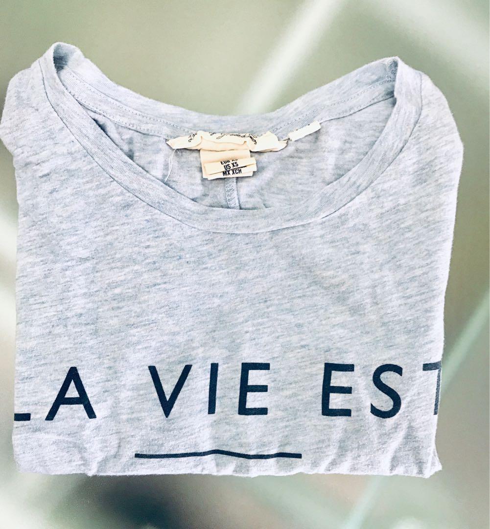 百搭淺藍色T-shirt