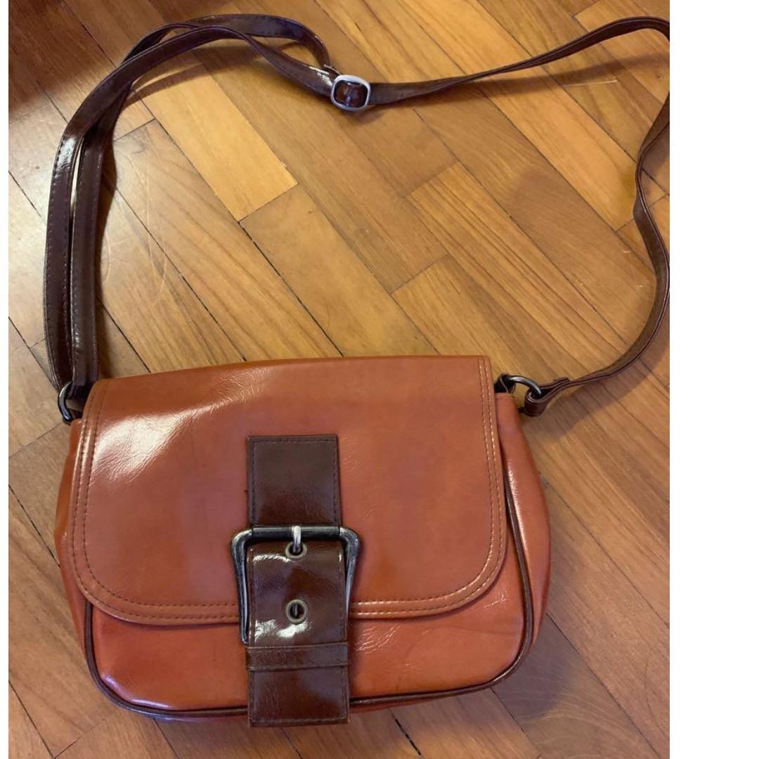 Vintage brown sling bag
