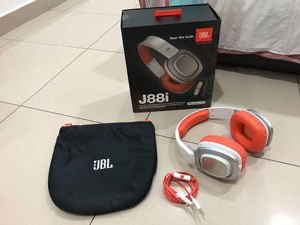JBL J88i Headphone