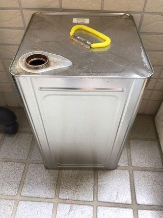 20L 鐵桶 長方鐵桶 空鐵桶 空桶 鐵方桶 沙拉油桶 長21cmX寬21cmX高32.5cm