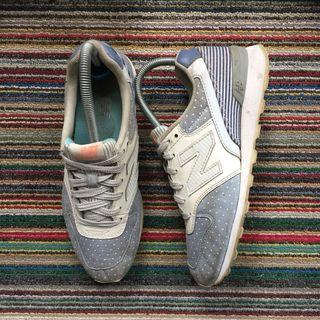 New Balance, 996 in White Dots / Stripes