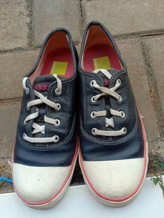 Sepatu Adidas women size 39