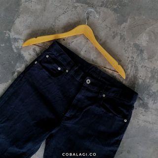 GU Jeans hitam