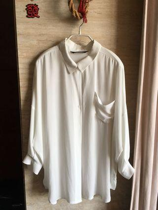 BLACK Shuttle 米白色襯衫
