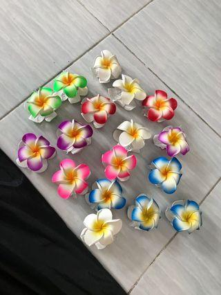Jepit Rambut Bunga Kamboja