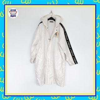 二手 白色 燙銀字 電繡美杜莎 連帽 風衣 刷絨 男人味 外套 大衣 前列腺超音波 81014