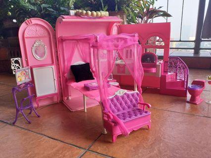 Foldable Pink Barbie Dollhouse