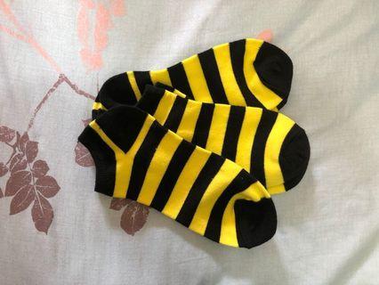 黑黃相間襪子