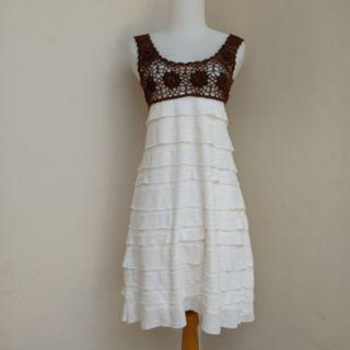 Mini dress umpak putih bw