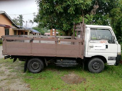 1 Tan Lorry Nissan Atlas