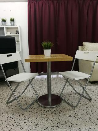 Nice Dining table /discussion/cofee table with 2 chair