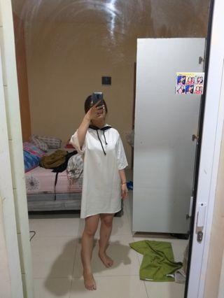 White hoodie oversize dress