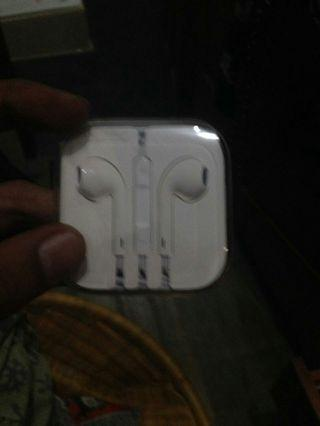 Earphone iPhone 5s Masih Segel