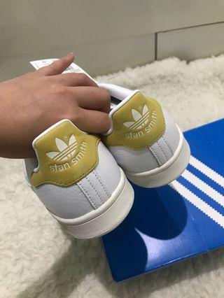 Adidas Stan Smith (rare color) UNISEX