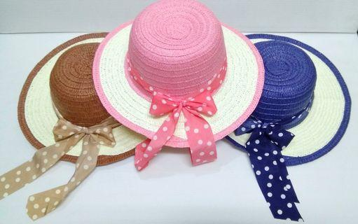 Straw hat for ladies English style