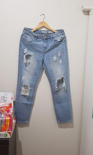 Stradivarius Girlfriend Ripped Jeans