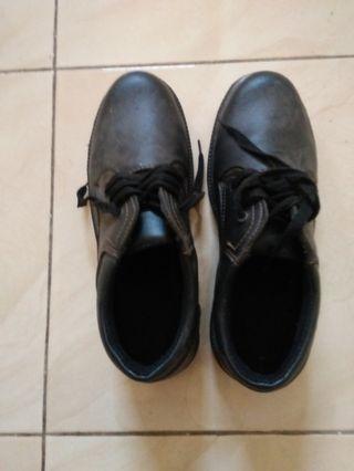 Safety shoes boots (loc. cikarang)