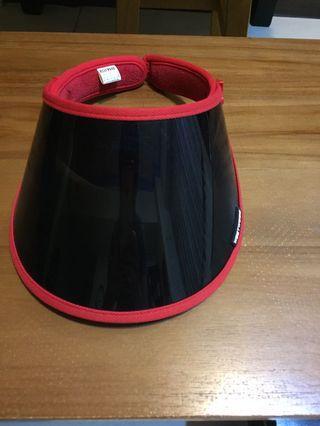 WESTWOOD韓版優質抗UV 遮陽帽。九成新以上。乾淨。出價前請先參看我的賣場交易付款方式,感謝!