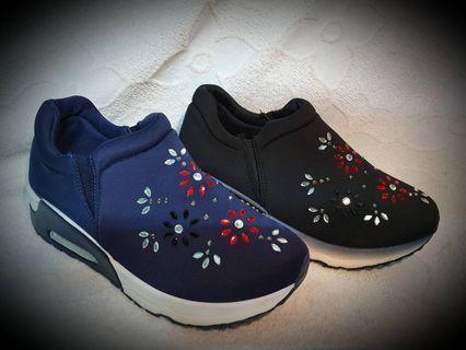 復古風水鑽懶人鞋 #黑 #藍 👉代售 #五折清衣櫃