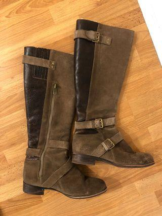 Ugg suede and fur lined leather boots (size 5)