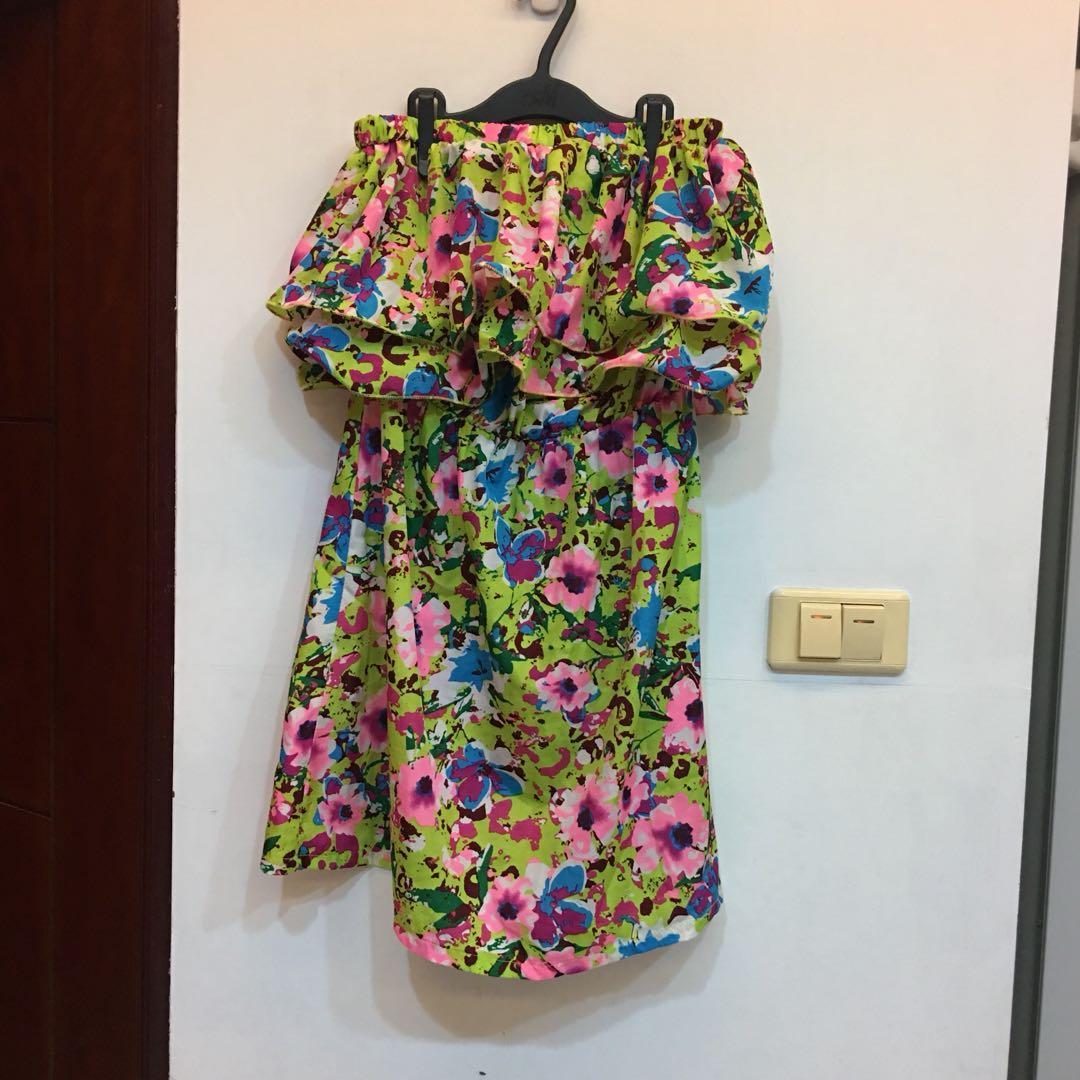 綠色花朵平口洋裝