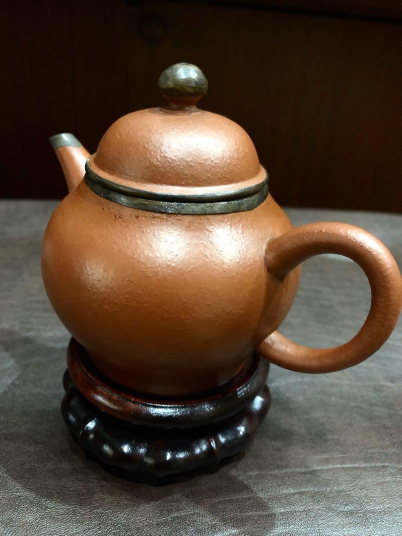 早期宜興紫砂壺  水平梨形壺 袁義和 「松幽泉清聽琴聲 孟臣」