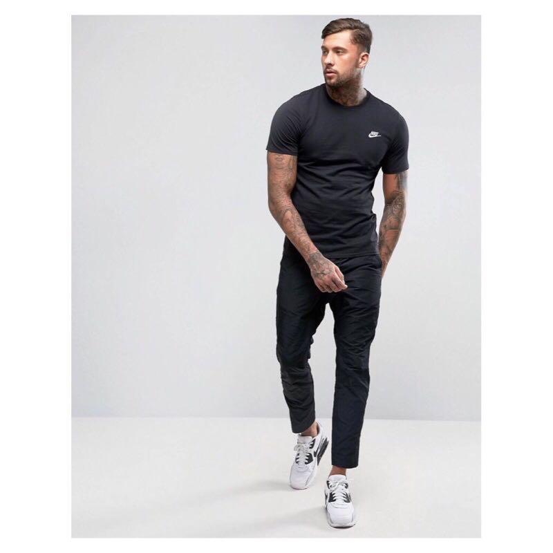 全新正品 nike club T-shirt logo in blake 短袖 素T 黑
