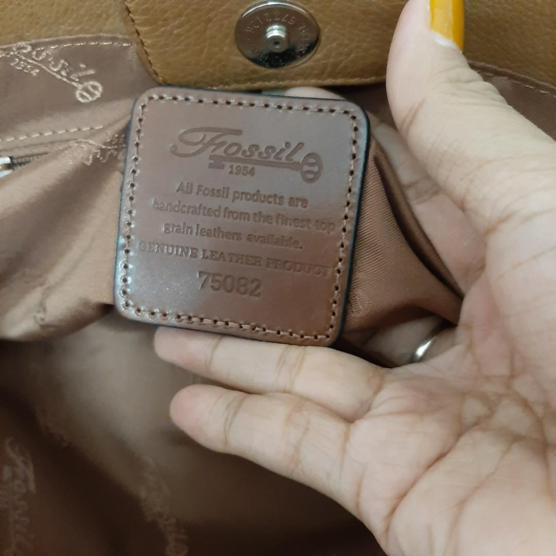 AUTH. FOSSIL LEATHER TOTE BAG