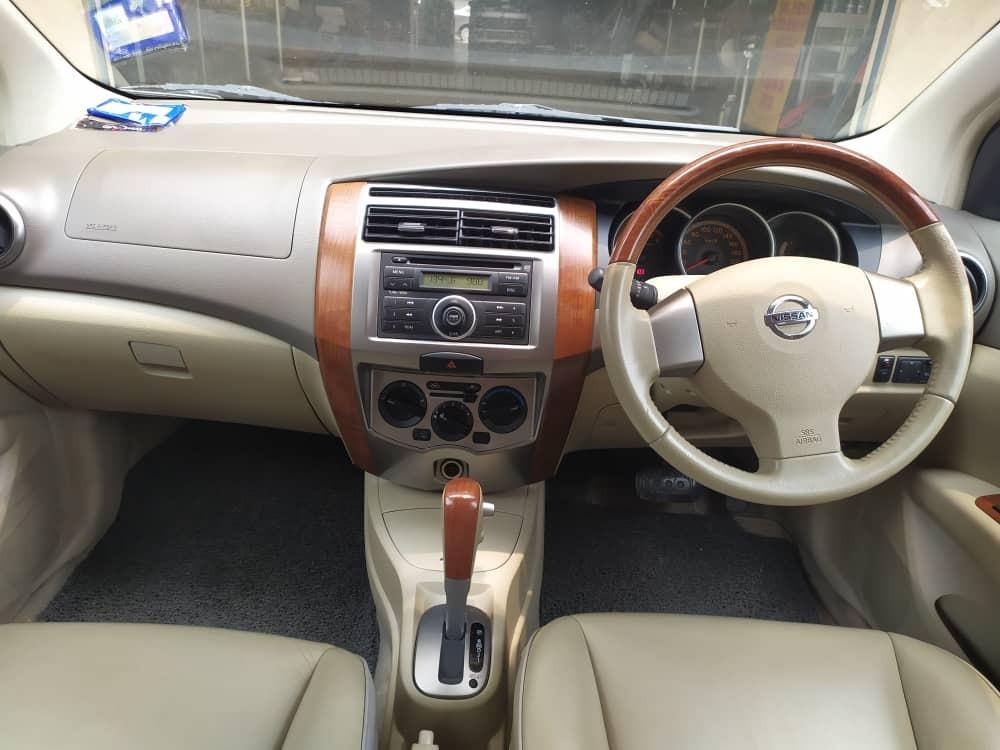 Nissan Grand Livina 1.8 (A) full spec leather seat 2009 blacklist pun boleh loan