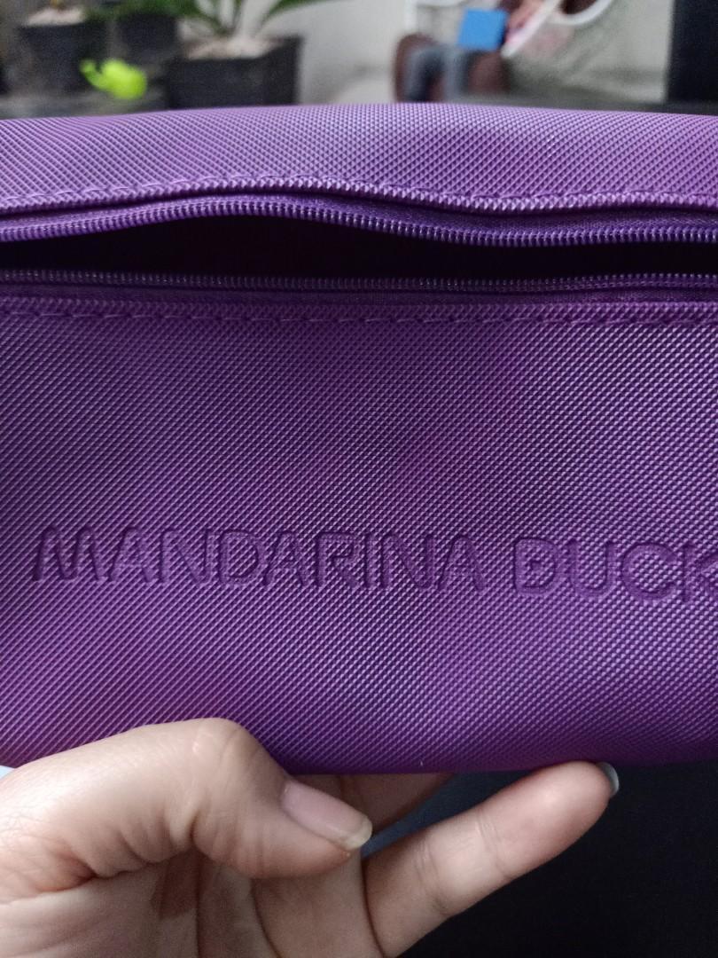 Mandarina duck pouch traveling kit
