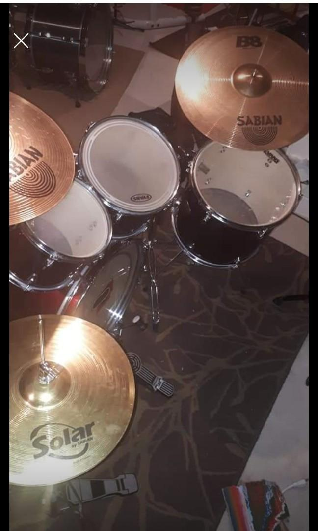 Pearl Forum Burgundy/red drum kit with sabian cymbals!