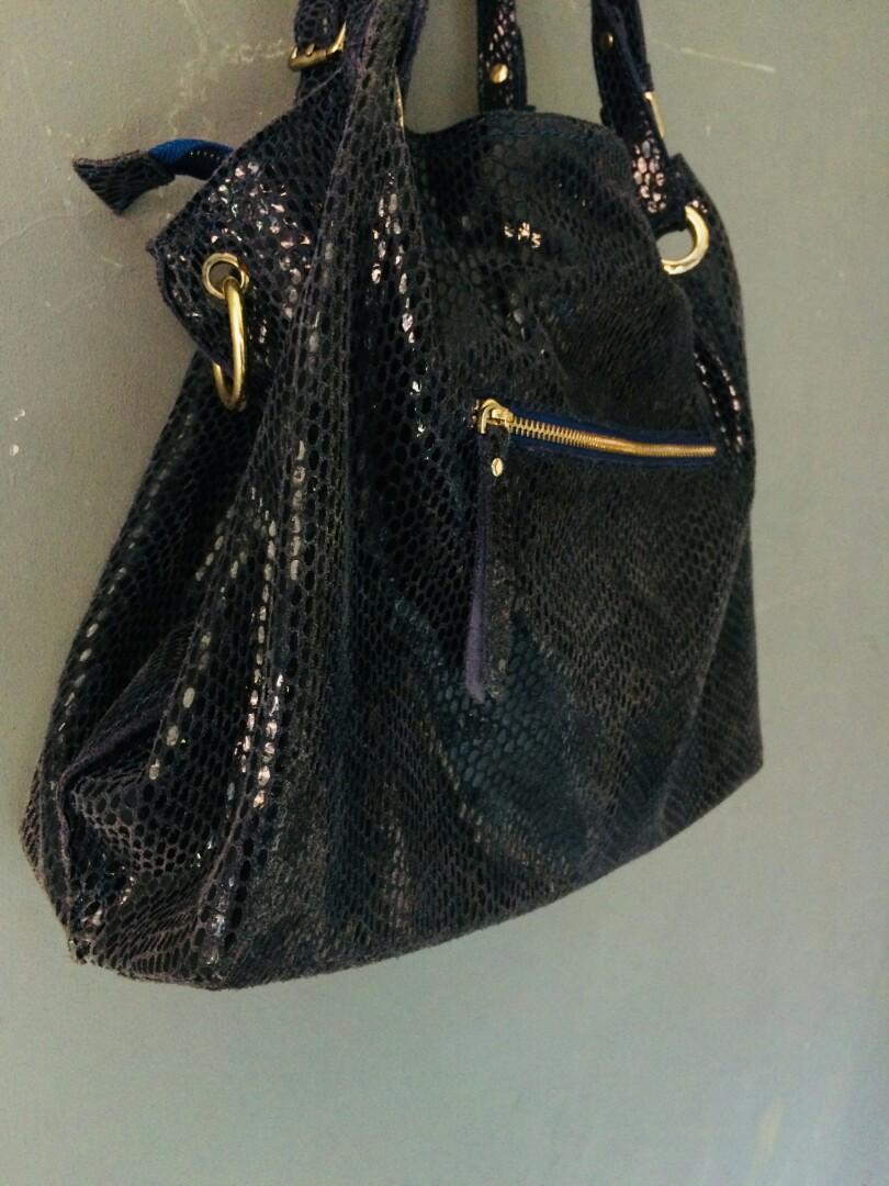 Tas navy shoulder bags