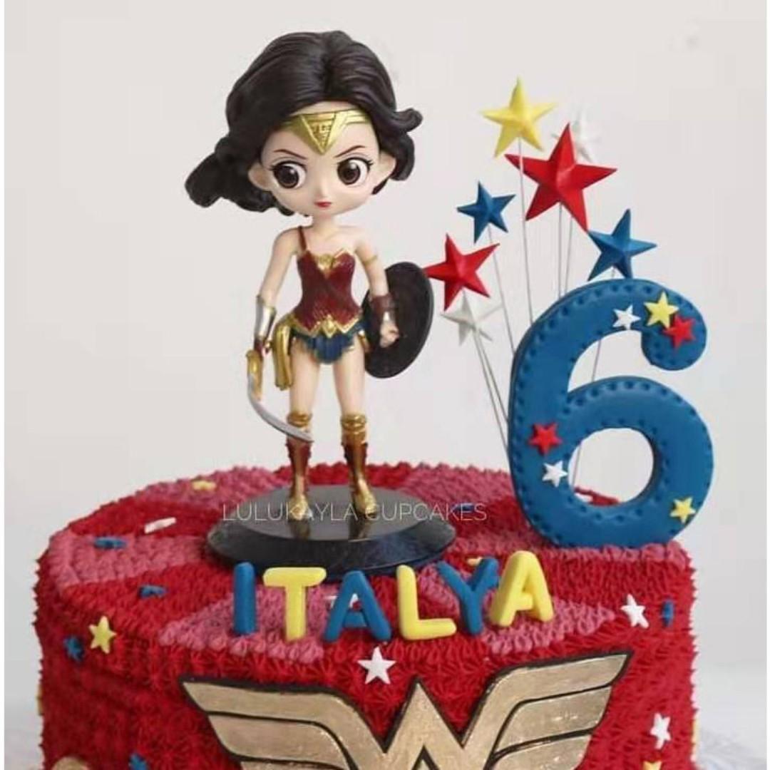 Cool Wonderwoman Figurine Cake Topper Wonder Woman Birthday Cake Funny Birthday Cards Online Kookostrdamsfinfo