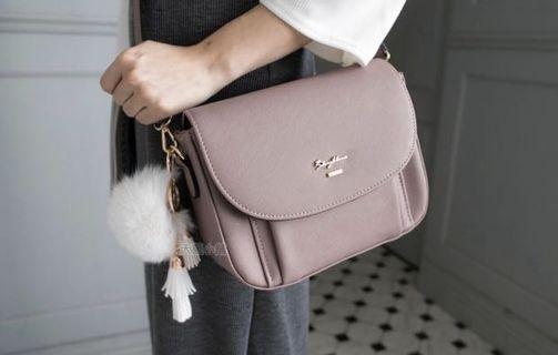 東區購買斜背手提紫藕色小圓包