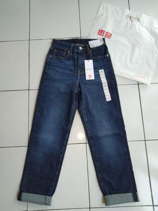 Celana Jeans High Rise Uniqlo