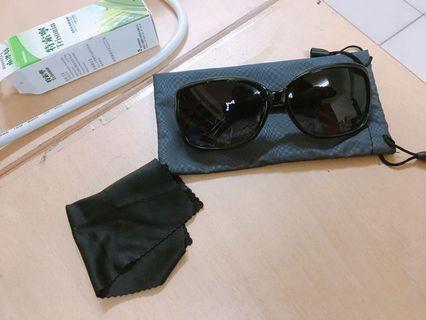 質感墨鏡 含收納袋跟眼睛布