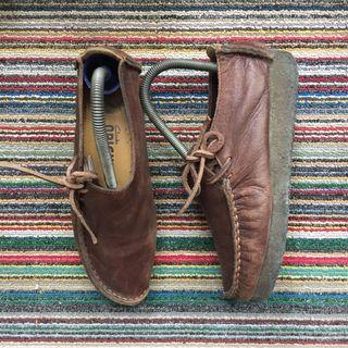 Clarks Original, Wallabe Leather Shoes in Brown