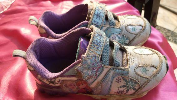 Sepatu anak frozen Nyala2 size 30