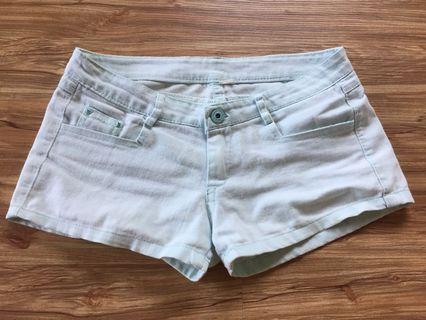 二手淺綠短褲,M號#五折清衣櫃