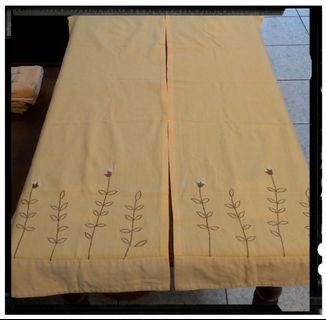 NUTCRACKERS 立體刺繡門簾