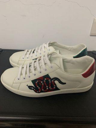 Gucci珊瑚蛇小白鞋